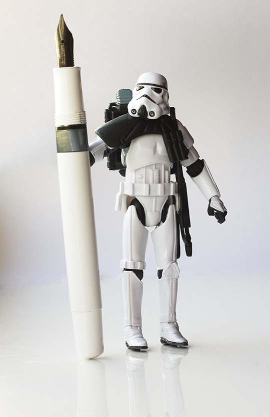 A Sandtrooper with a Pelikan M100