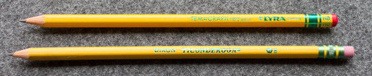 A Temagraph next to a Ticonderoga