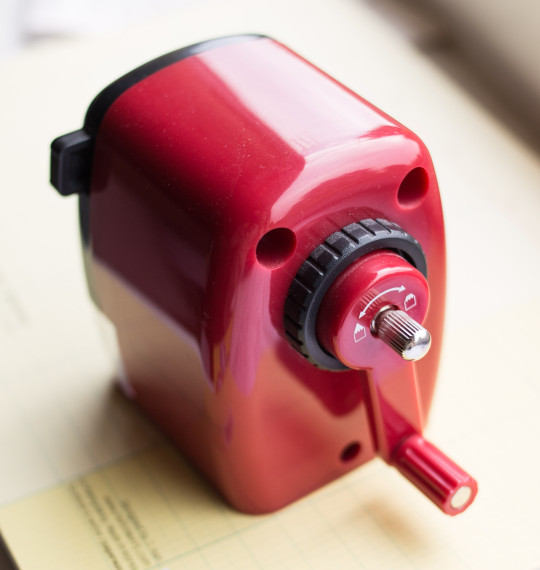 Crank - Red M+R 0981 sharpener - Möbius und Rupper