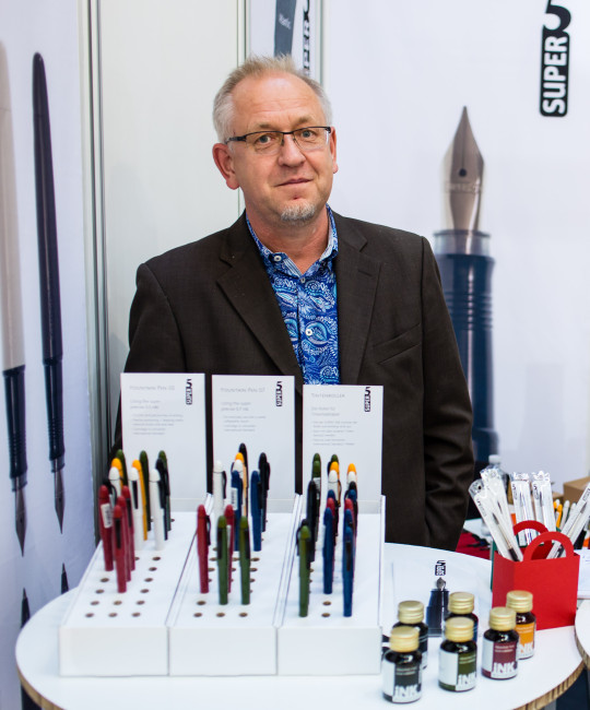 Robert Neumann, the man behind the Super5 fountain pen.