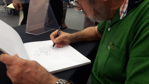 Massimo Fecchi drawing with his Rotring 500